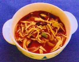 きのことパスタのトマトスープ