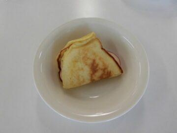 りんごとマシュマロのオムレットケーキ